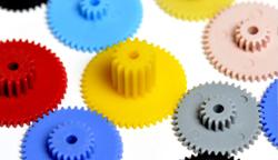 塑膠機械的精巧微型化走向